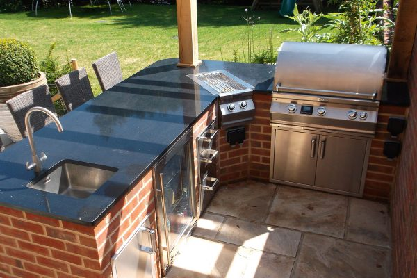 Berryman outdoor kitchen