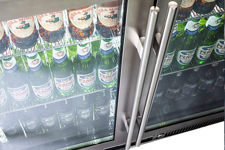 Fridge hot spot long bar style handle